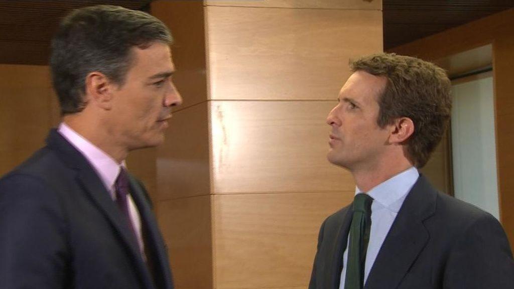 Casado se reúne en secreto con Sánchez en Moncloa a instancias del presidente en funciones
