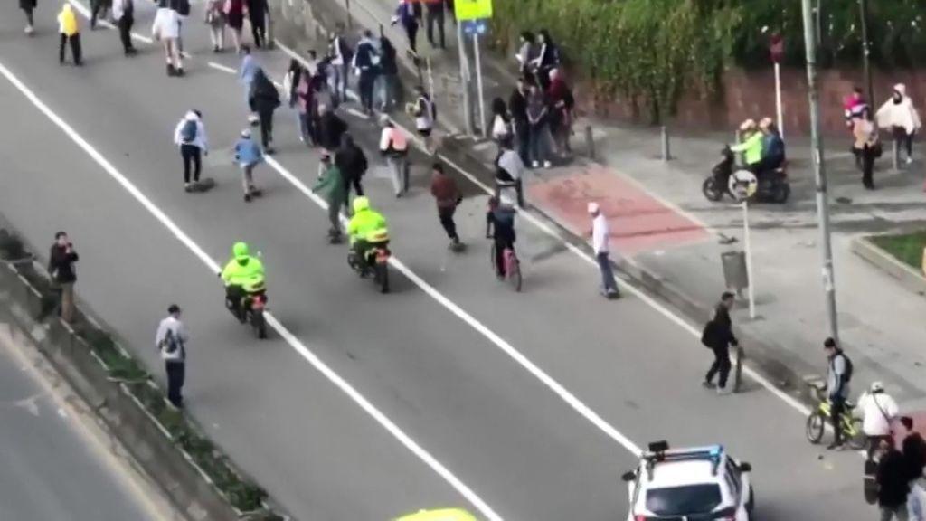 Brutalidad policial en Colombia en una concentración de monopatinadores