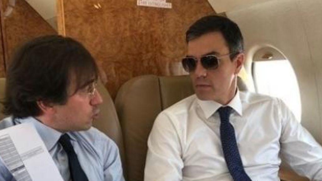 Sánchez inaugura el AVE e Granada pero vuelve a casa en Falcon, su gran pasiónfalc