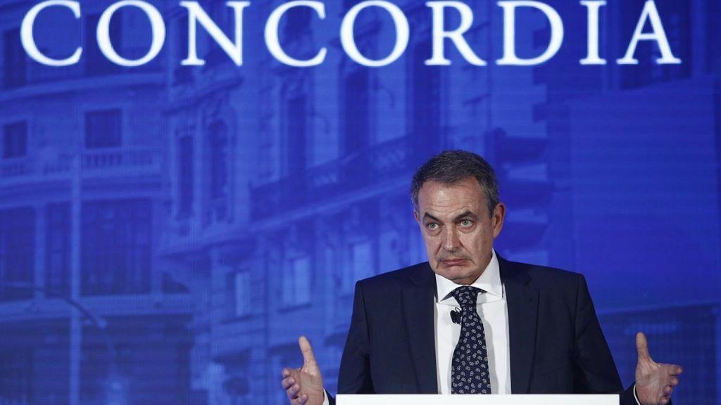Zapatero acusa de enredar a los que aseguran que ha marcado la hoja de ruta a Sánchezco