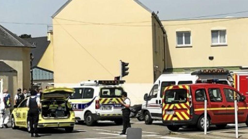 Francia vuelve a ser golpeada: un tiroteo en la mezquita de Pontanezen deja dos heridos