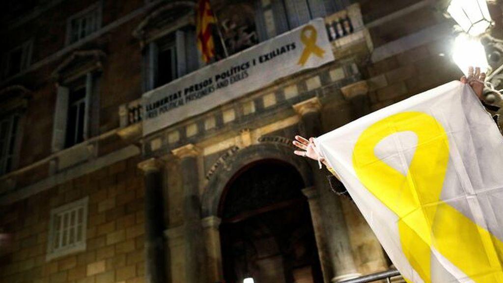 El Tribunal Superior de Cataluña procesa a Torra por no quitar los lazos amarillos