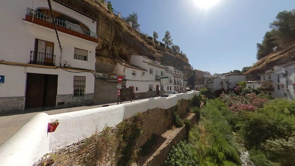Las casas cueva de Setenil de las Bodegas, en Cádiz, refugios contra el calor