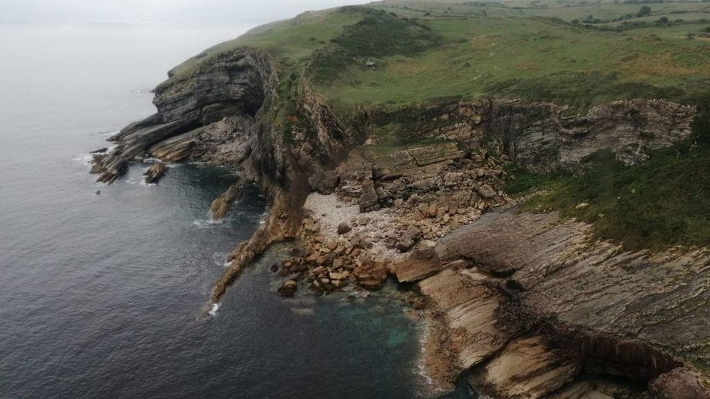 Encuentran flotando el cuerpo de una joven de 30 años en una playa de Santander