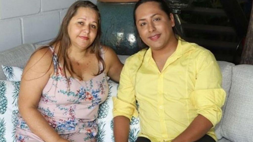 Una mujer de 45 años se queda embarazada para que su hijo gay sea padre