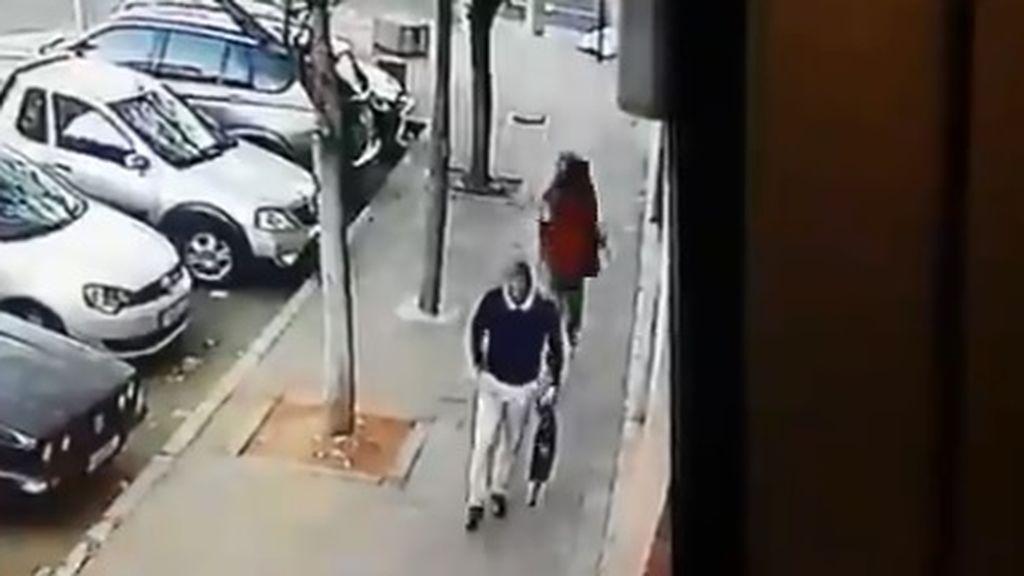 El vídeo de un crimen en Sudáfrica se vuelve viral y obliga a la policía a abrir una investigación