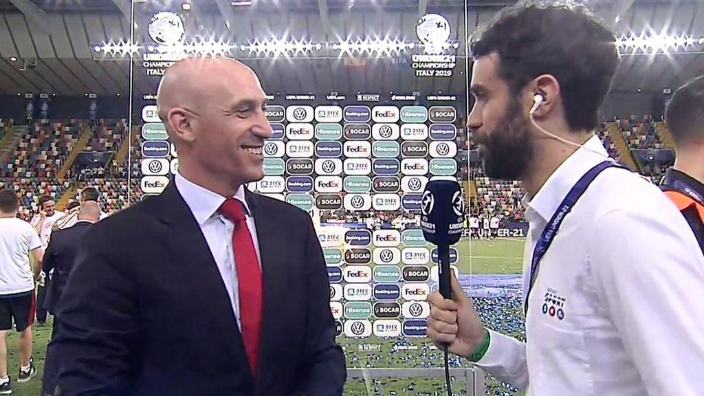 """Luis Rubiales: """"¡Qué suerte tenemos de tener estos jugadores en España!"""""""