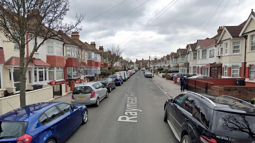 Muere una mujer embarazada de ocho meses tras ser apuñalada en Londres