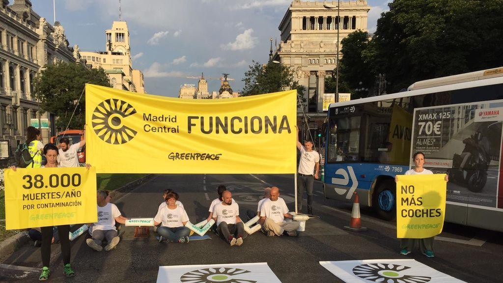 Activistas bloquean Madrid Central . Hoy comienza la moratoria