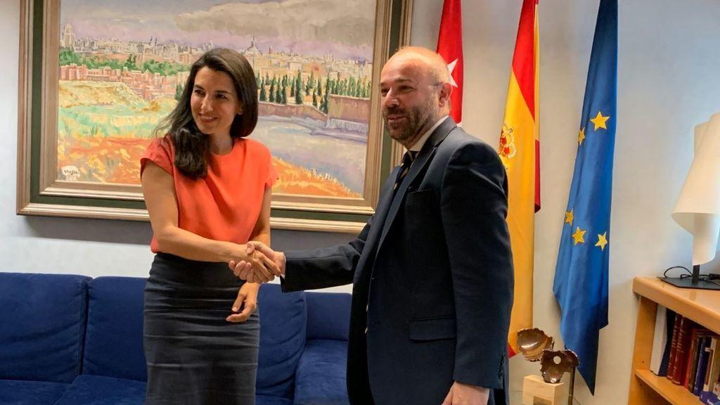 Vox no apoyará de momento a Díaz Ayuso