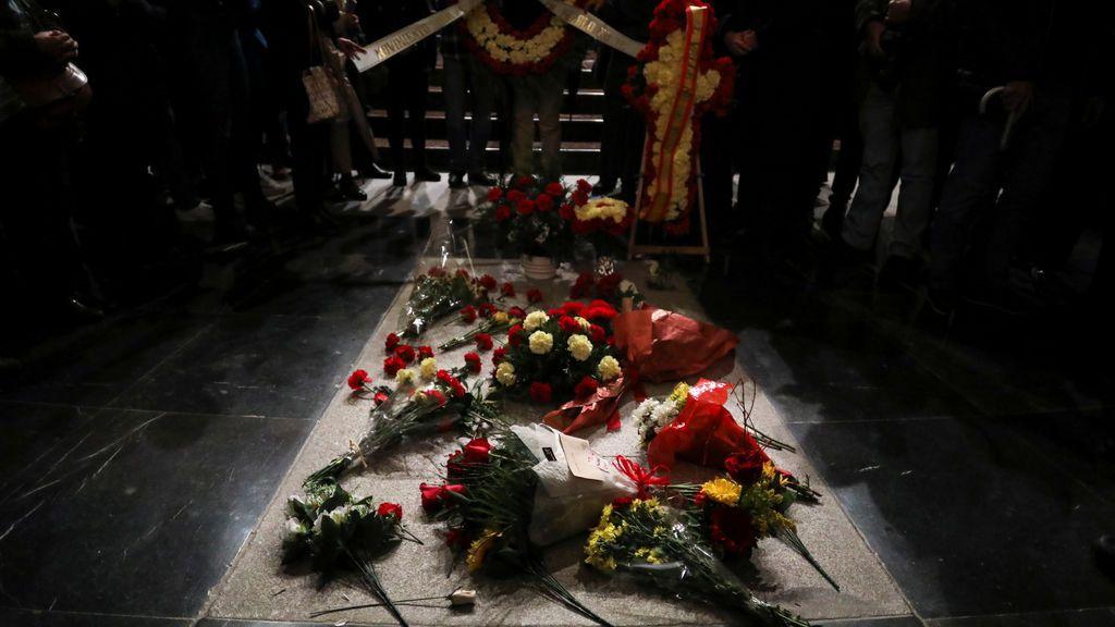 """El Gobierno anuncia una queja formal al Vaticano por la """"injerencia"""" del Nuncio sobre la exhumación de Franco"""