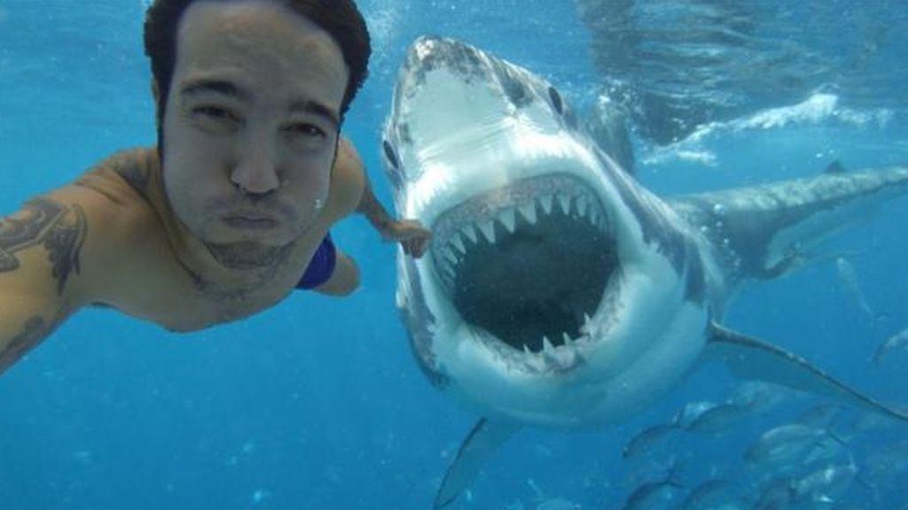 Fotografías de riesgo: Los 'selfies' matan a más personas que los tiburones