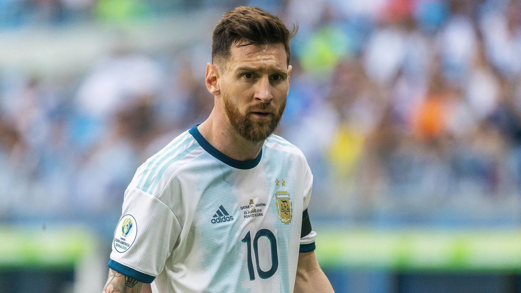 Messi se gastó 35.000 euros en hamburguesas, patatas y champán en una discoteca de Ibiza
