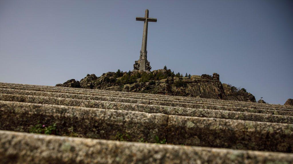 """El nuncio del Vaticano carga contra Sánchez: """"Han resucitado a Franco"""""""