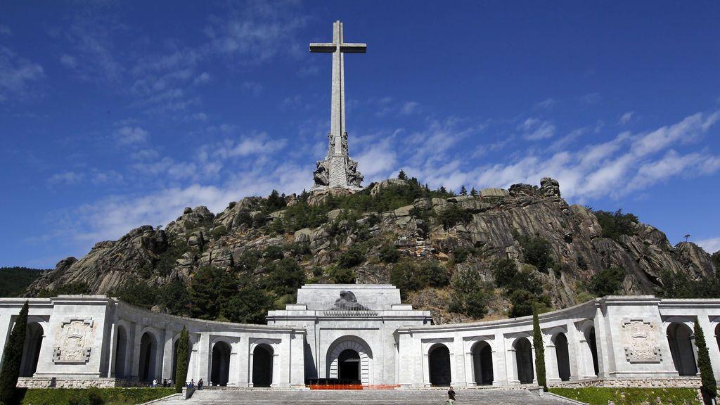 El gobierno se queja al Vaticano por la palabras del nuncio sobre Franco