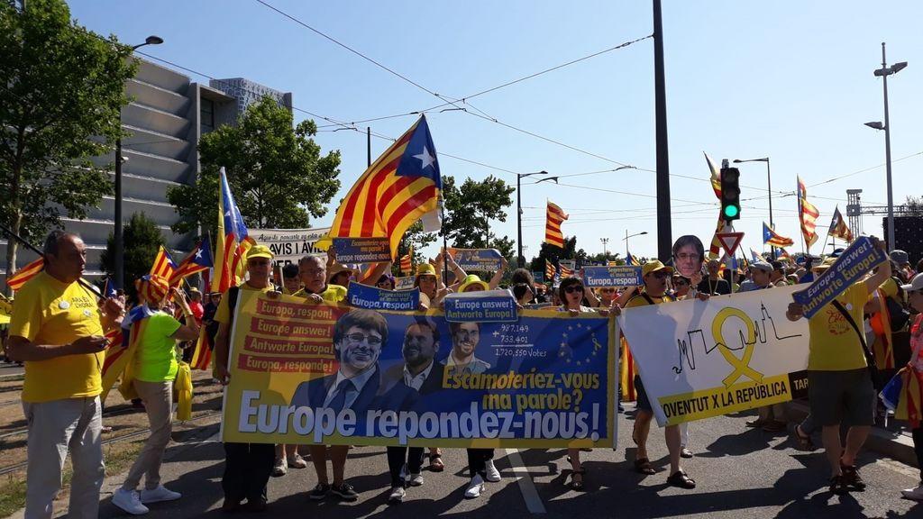 Miles de independentistas se concentran frente al Parlamento Europeo de Estrasburgo