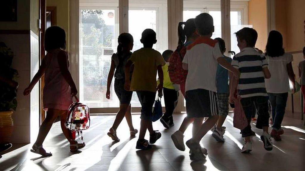 Becas: las ayudas al estudio que la AIReF y los padres critican por lentas, escasas y sin información