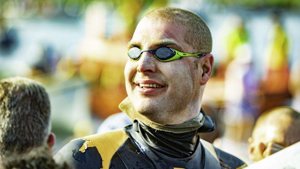 El nuevo reto del holandés Van Der Weijden: Nada casi 200 kilómetros para recaudar dinero contra el cáncer
