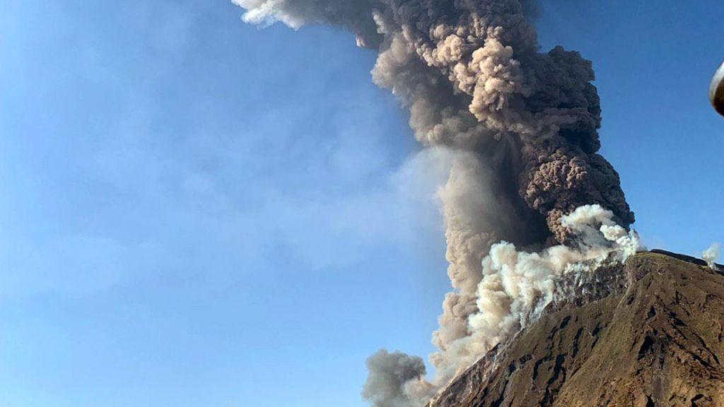 Al menos un fallecido por la erupción del volcán Stromboli
