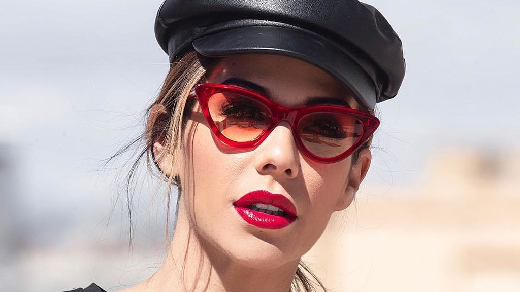 """Tamara Gorro posa con """"canas, ojeras y granos"""" para reivindicar la belleza natural: """"No hay que ocultar la realidad"""""""