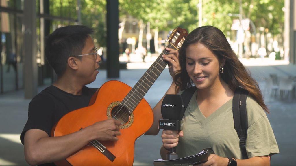 Un reportero sueña con componer la canción de Pokémon con participantes aleatorios por lo calle