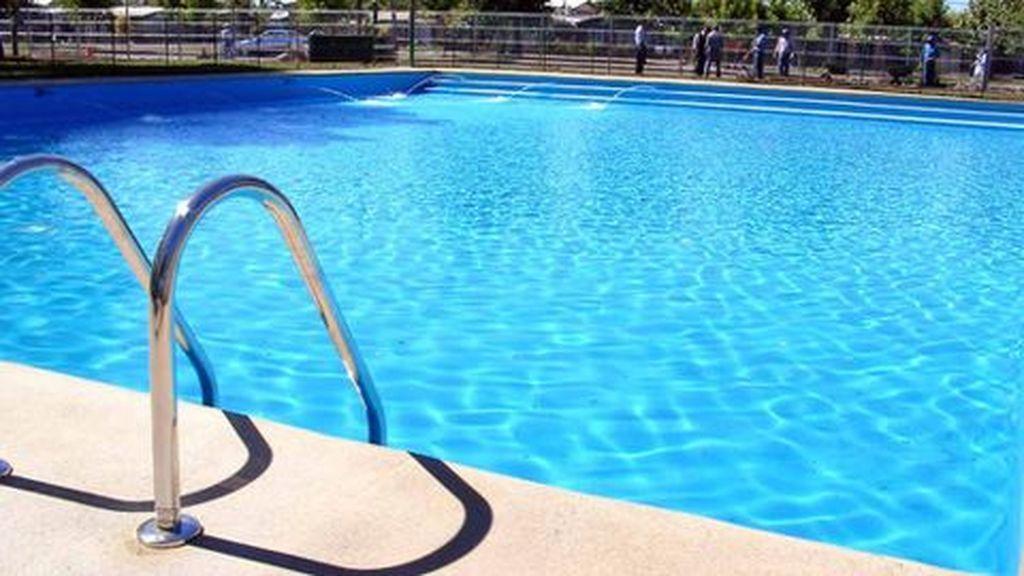 Muere un niño tras caer a una piscina en Toledo