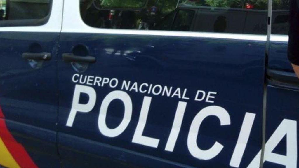 Un hombre, detenido tras romperle el tímpano a su vecino en una pelea