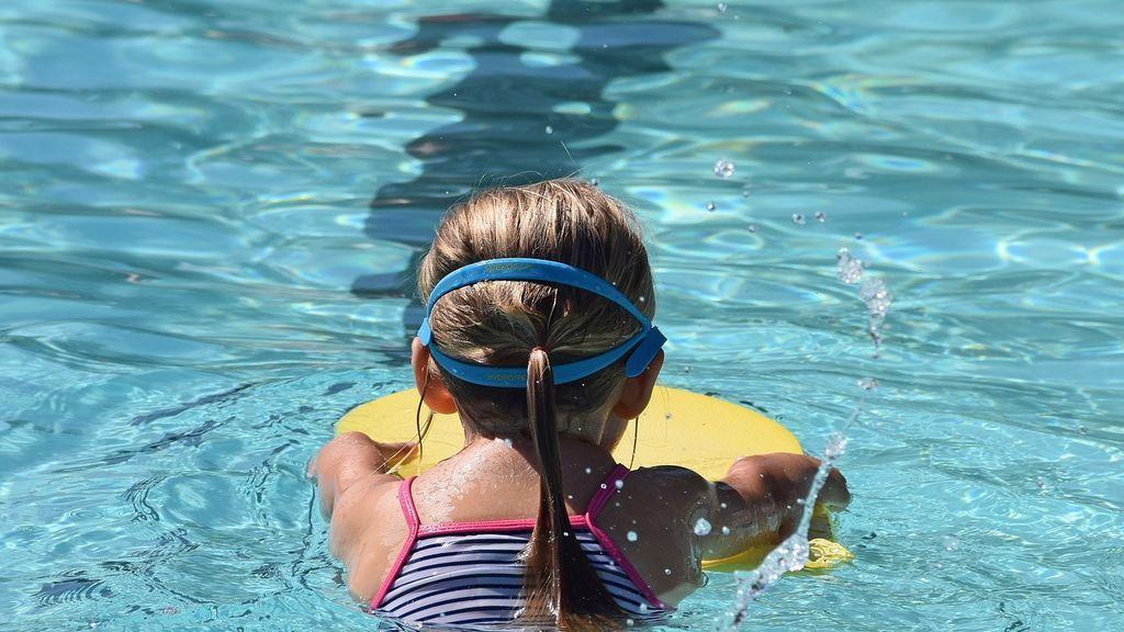 """EEUU advierte sobre """"Cripto"""": un parásito fecal que puede vivir durante días en las piscinas"""