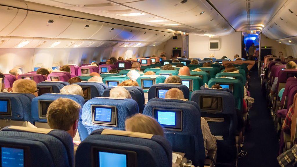 Volar en avión: cómo elegir el mejor asiento y cuáles son los más seguros