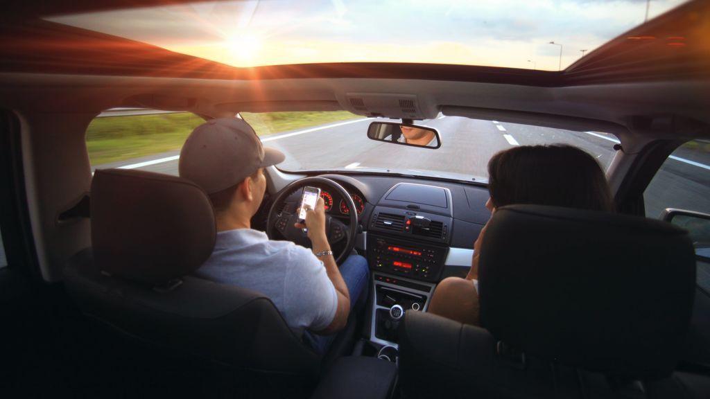 Los jóvenes ya no usan el coche ni para irse de vacaciones