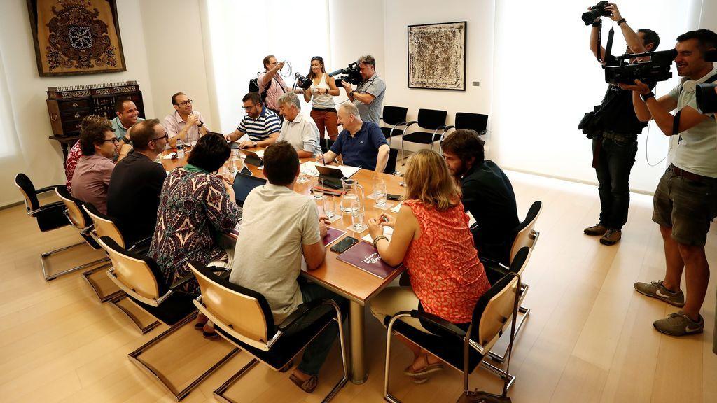 Los socialistas navarros anuncian un preacuerdo para presidir Navarra a la espera de lo que decida Bildu