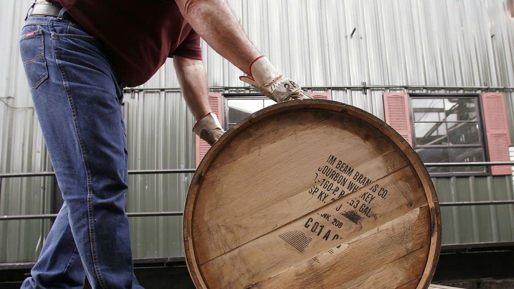 Un incendio destruye 450.000 barriles de wiski de las bodegas de Jim Beam en Kentucky