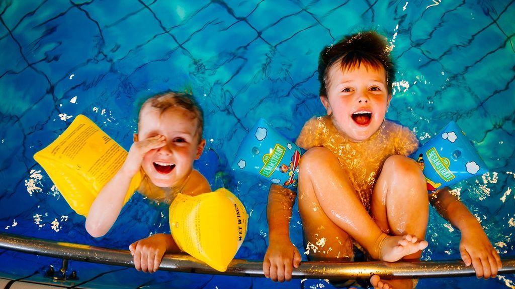 La técnica 10/20 que salva la vida a los niños en el agua