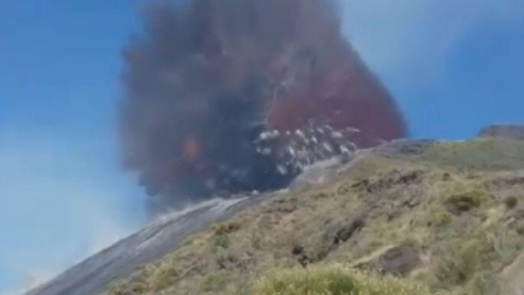 Nuevas imágenes de la erupción del volcán Strombol