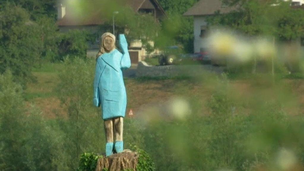 """El nuevo """"Ecce Homo"""": una escultura de Melania Trump en Eslovenia que no deja indiferente a nadie"""