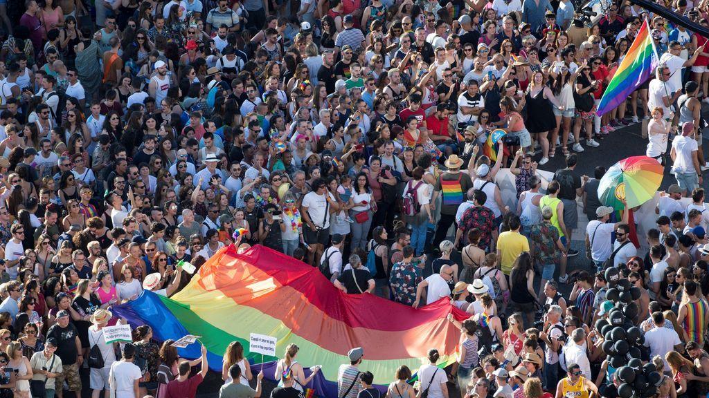 Un millon y medio de personas desfilan en Madrid en el día del Orgullo gay