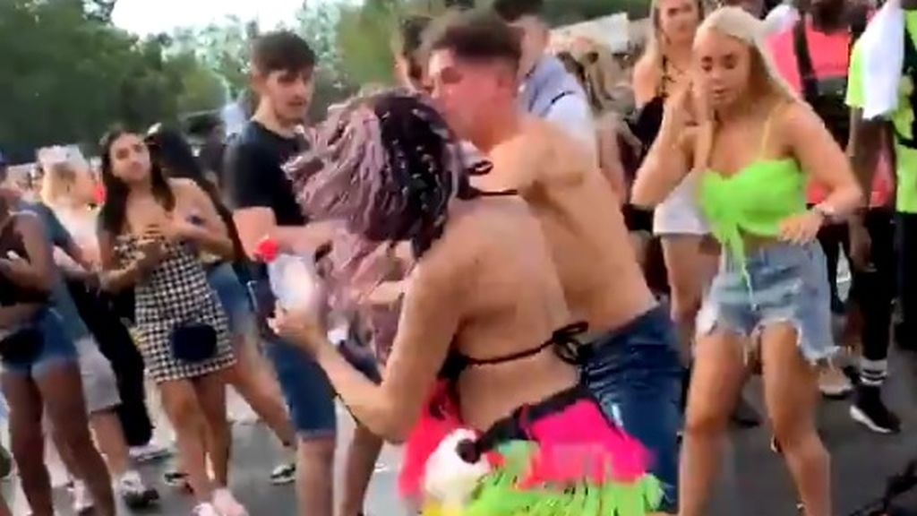 Brutal pelea entre jóvenes en el festival Wireless de Londres