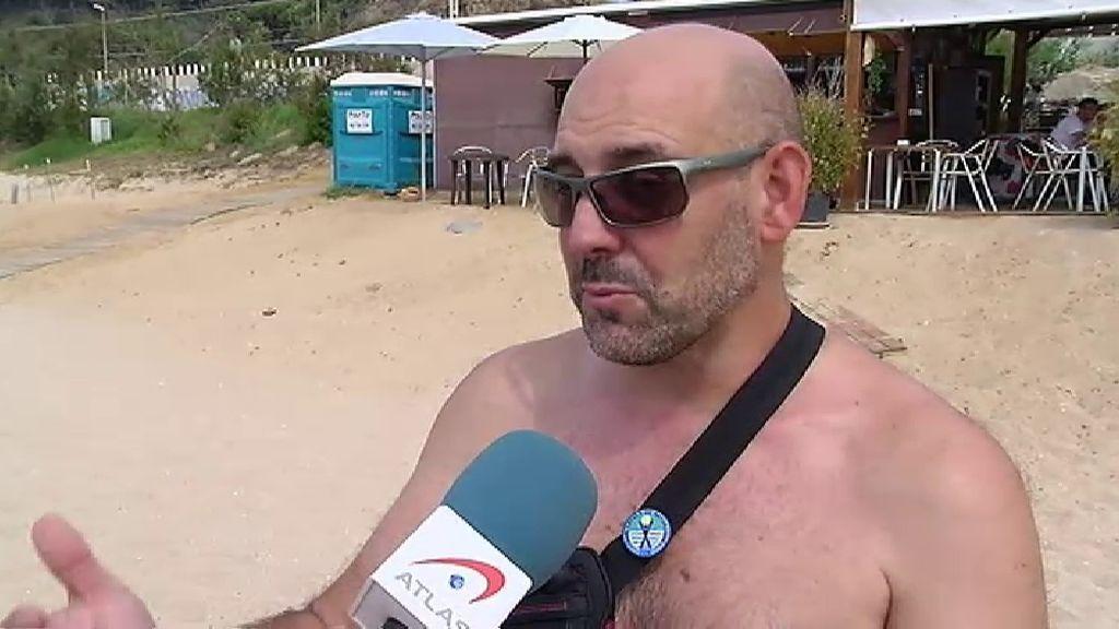 Cientos de personas se unen por el nudismo en Arenas de Mar