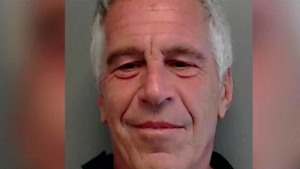 Detienen al magnate neoyorquino Jeffrey Epstein, acusado de tráfico de personas