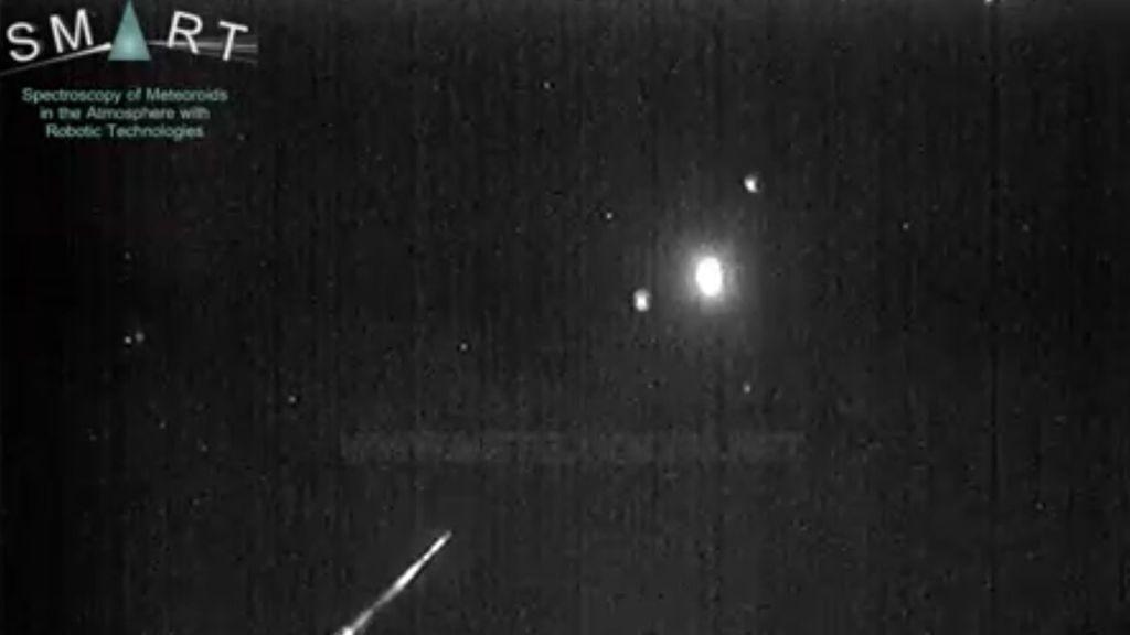 Una roca procedente de un asteroide impacta contra la atmósfera y genera una gran bola de fuego sobre Ciudad Real