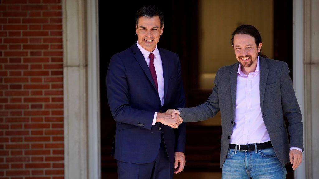 Pedro Sánchez y Pablo Iglesias, instantes antes de su última reunión en La Moncloa