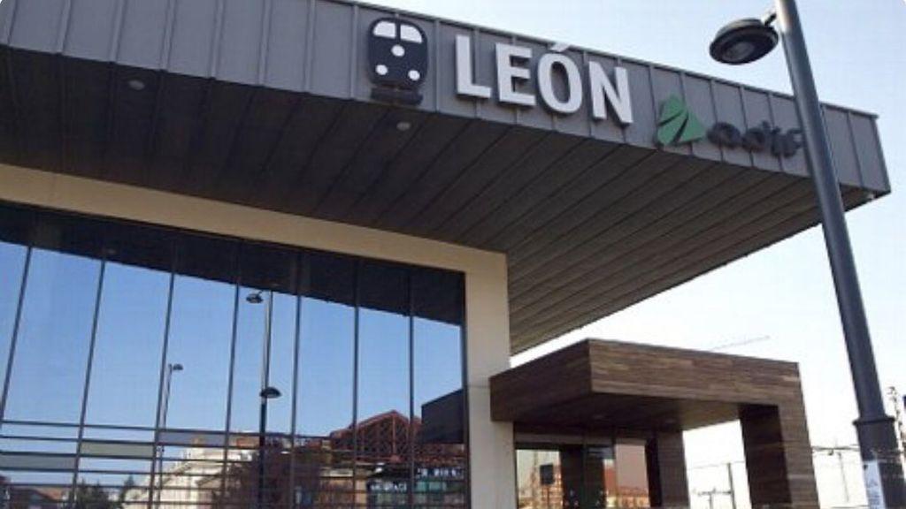 Sorprenden en León a dos menores que viajaban sin billete y escondidos en los baños de un Alvia