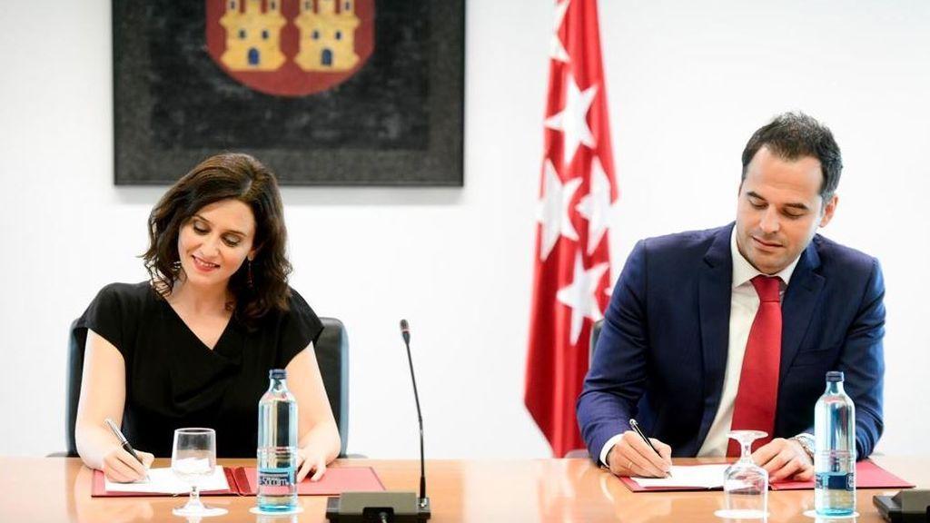 PP y C's alcanzan un acuerdo de gobierno en Madrid en el que no está Vox