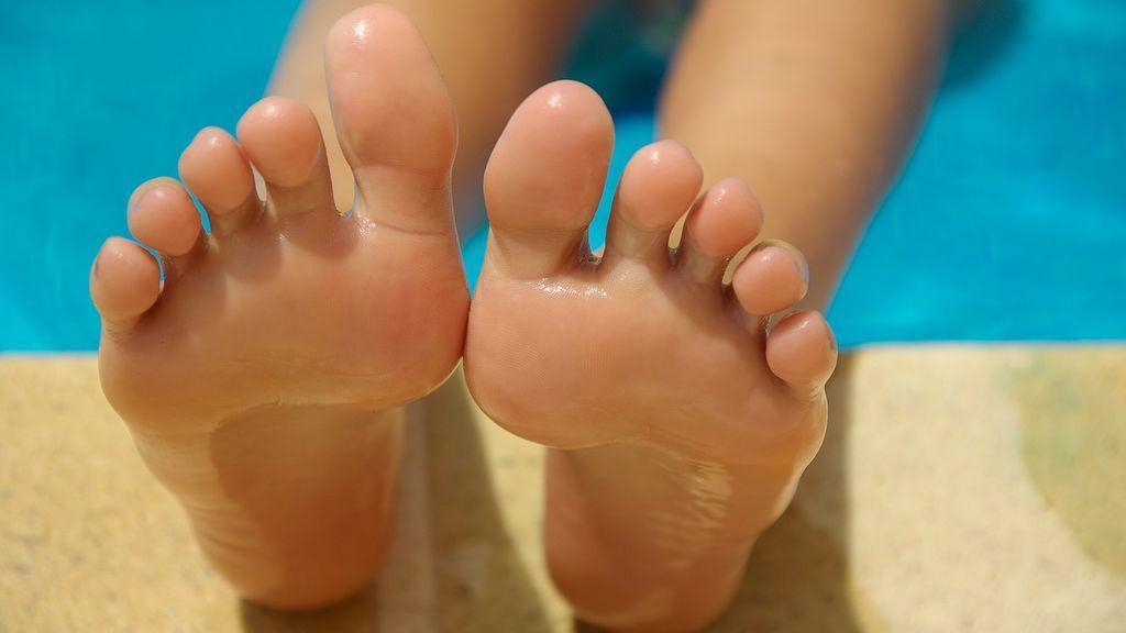 Mascarillas para pies y otras maravillas low cost para hacerte la pedicura en casa