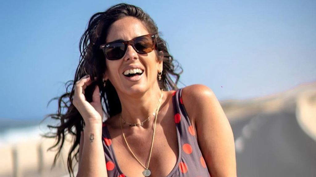 """Anabel Pantoja tiene un descuido con su bikini y las redes enloquecen: """"No seáis mal pensados"""""""