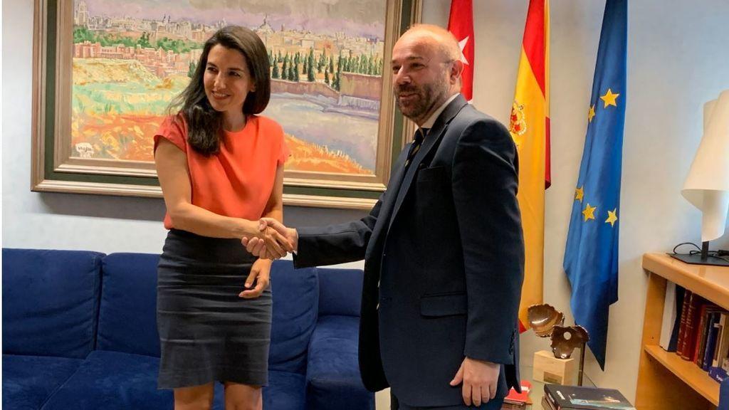 Vox rechaza a PP y C's fuerza un pleno de investidura sin candidato en Madrid