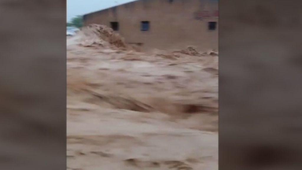 Muere un hombre arrastrado por el agua en su coche en Navarra a causa de las lluvias torrenciales