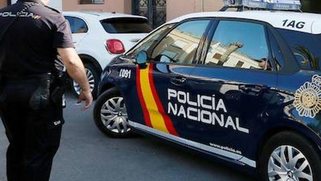 Detenida una mujer en Gran Canaria por abandonar de noche a su tres hijos menores en casa