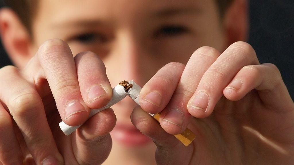 Acabar con el tabaco en 11 años: El Gobierno de Reino Unido propone un plan para su erradicación