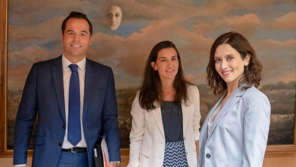 Díaz Ayuso, Monasterio y Aguado reunidos en la Asamblea de Madrid